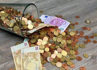 co wpływa na kurs walut?